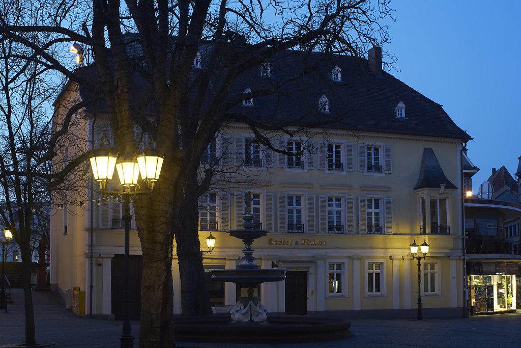10: Haus Goebel und Müller zur blauen Stunde